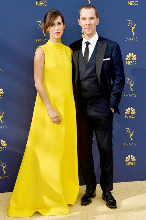 Benedict-Cumberbatch-Sophie-Hunter-pregnant-emmys-2018-navy-jacket-with-black-pants