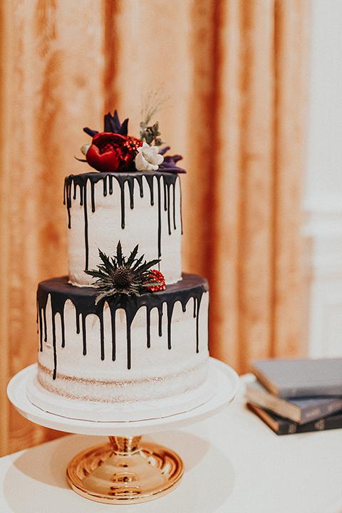 Orange-county-elegant-wedding-shoot-at-the-nixon-library-wedding-cake