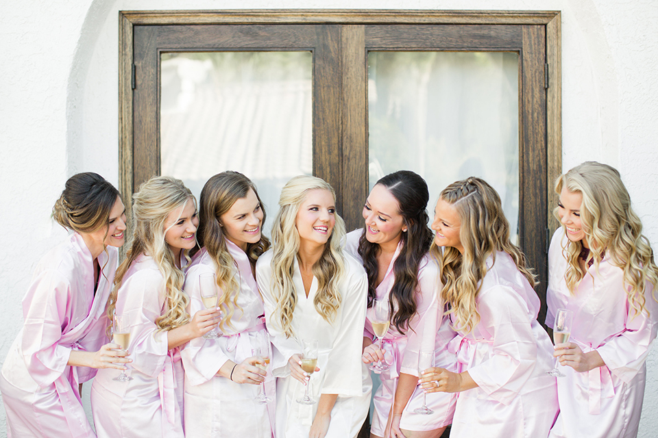 Autumn-inspired-wedding-at-coto-valley-country-club-bride-with-bridesmaids-getting-ready