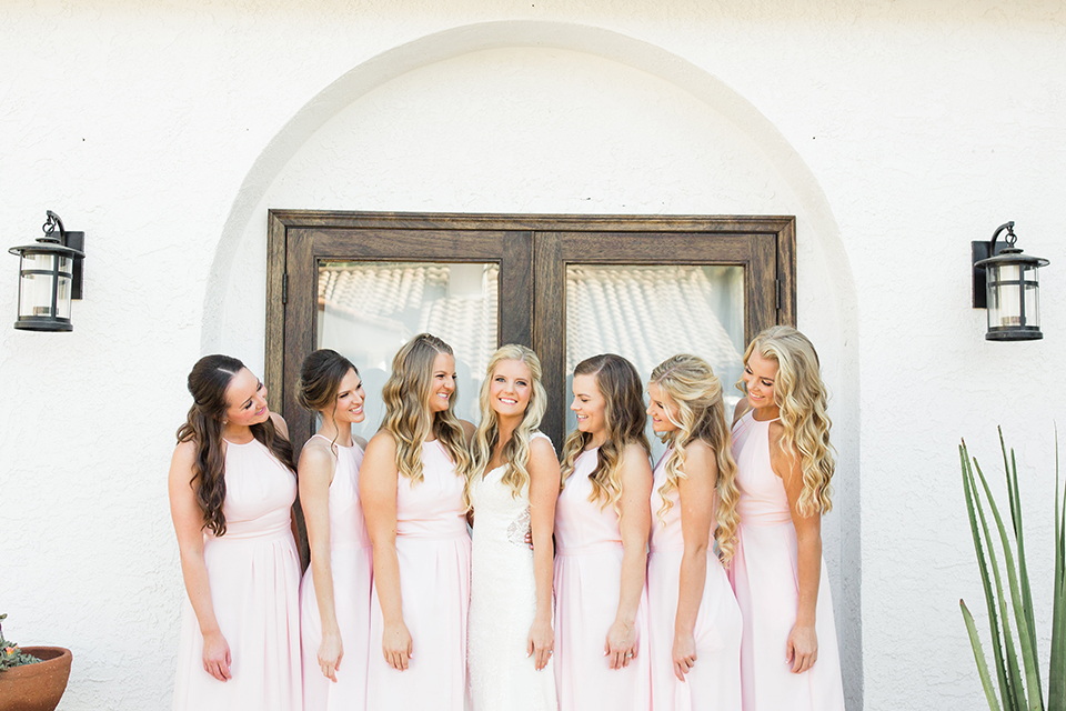 Autumn-inspired-wedding-at-coto-valley-country-club-bride-with-bridesmaids