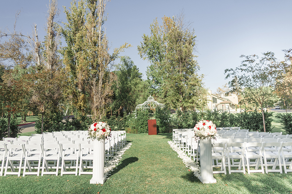Autumn-inspired-wedding-at-coto-valley-country-club-ceremony-set-up