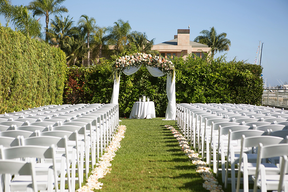 Balboa-bay-resort-wedding-ceremony