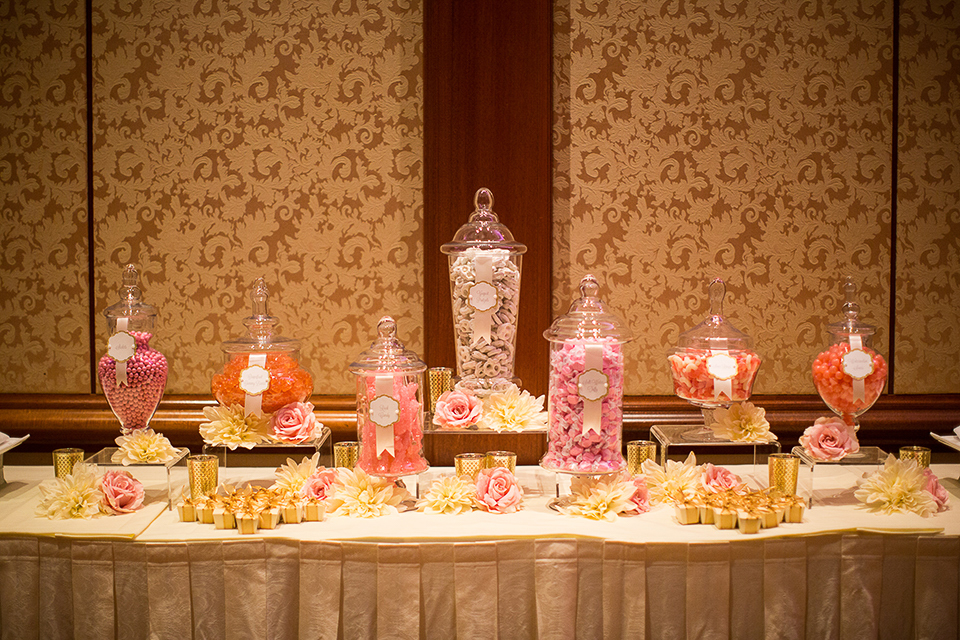 Balboa-bay-resort-wedding-reception-set-up-with-candy-bar