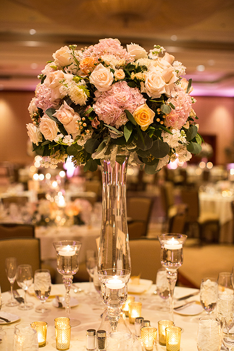 Balboa-bay-resort-wedding-with-white-table-linens-and-white-flower-centerpiece