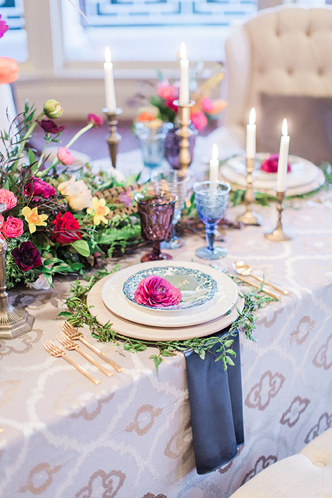 Colorful-bohemian-wedding-shoot-table-place-setting-and-napkin
