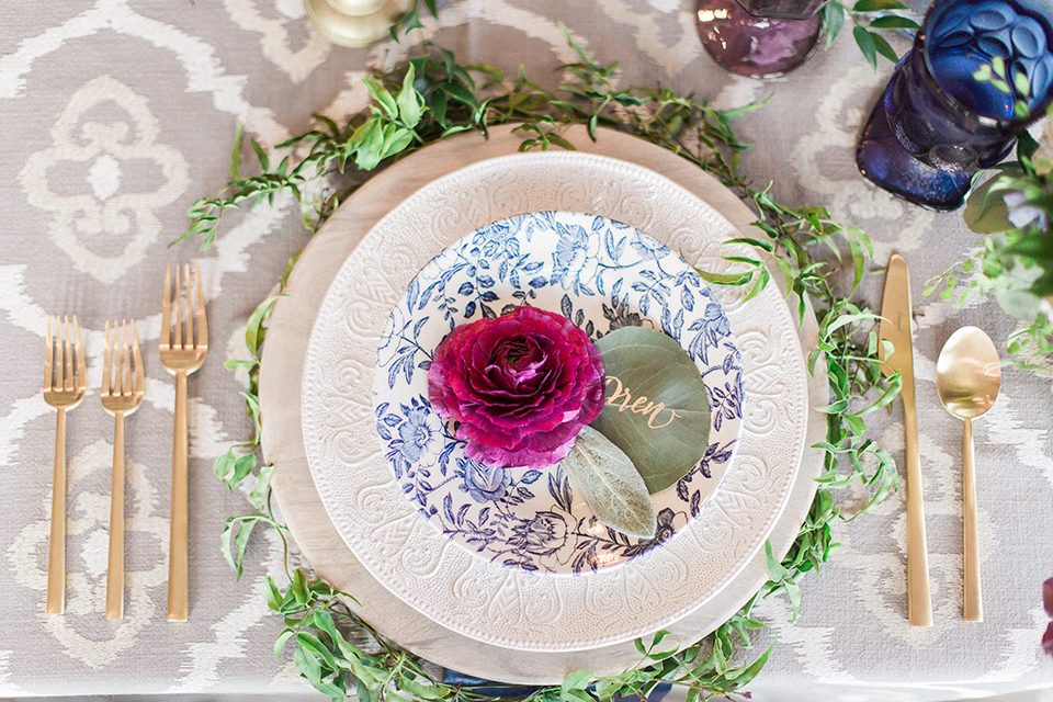 Colorful-bohemian-wedding-shoot-table-place-setting