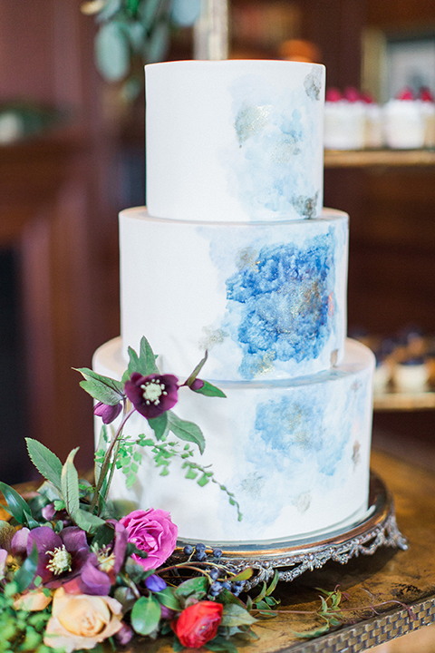 Colorful-bohemian-wedding-shoot-wedding-cake