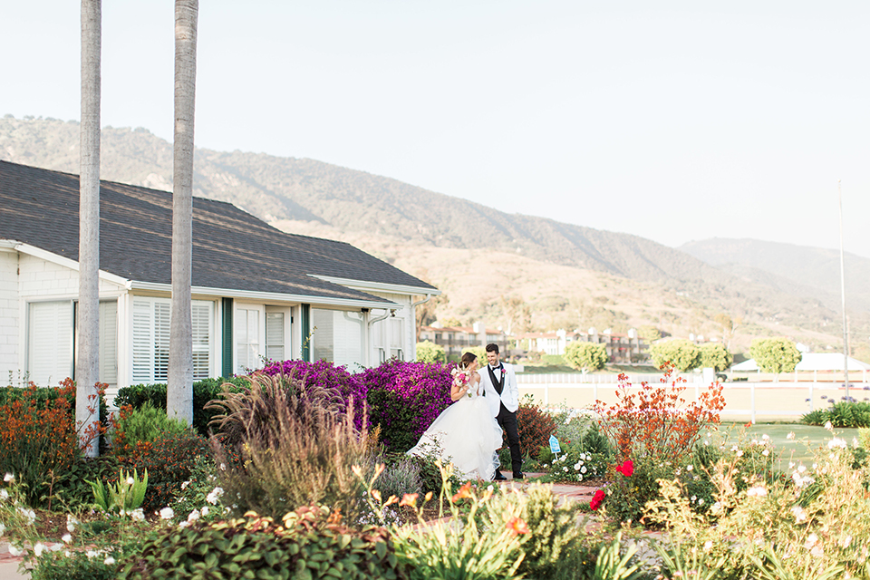 Santa-barbara-outdoor-wedding-bride-and-groom-far-away