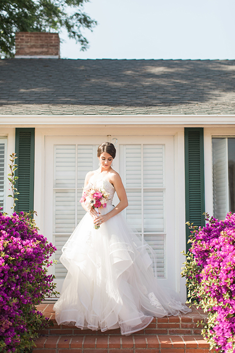Santa-barbara-outdoor-wedding-bride-holding-bouquet