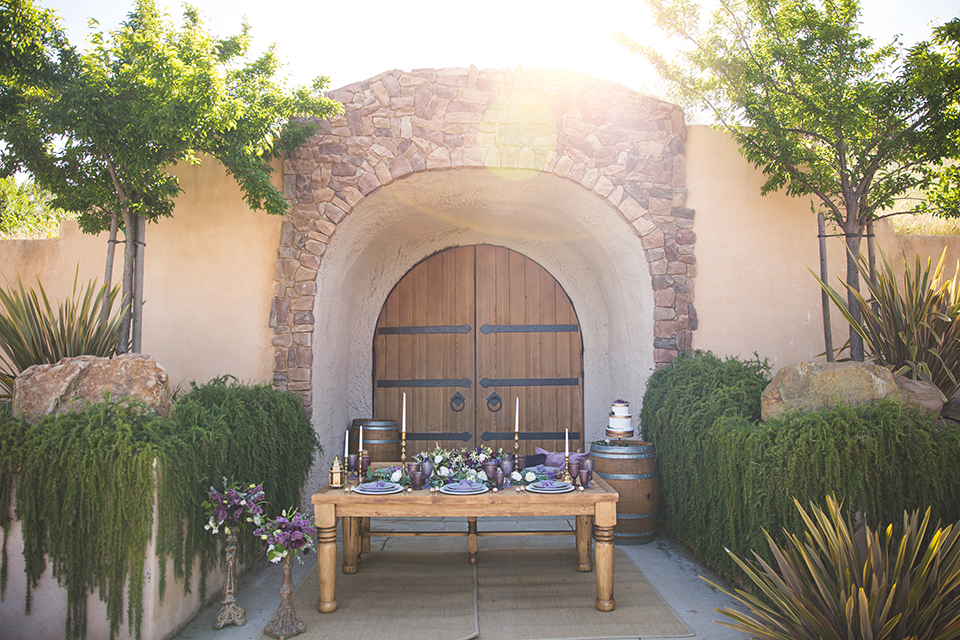 Santa-barbara-wedding-shoot-at-cottonwood-canyon-winery-table-set-up