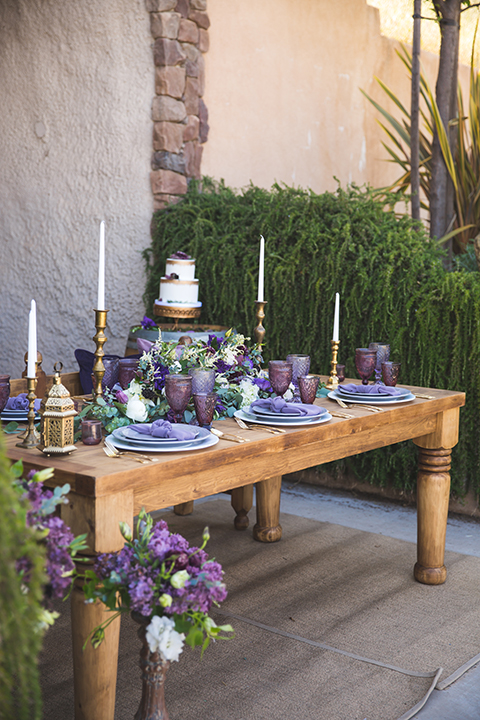 Santa-barbara-wedding-shoot-at-cottonwood-canyon-winery-wedding-cake-table