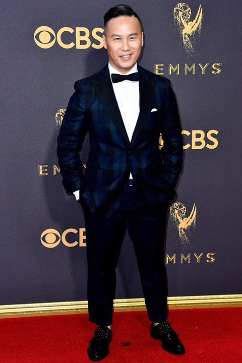 2017-emmys-blue-patterned-tuxedo-with-black-bow-tie