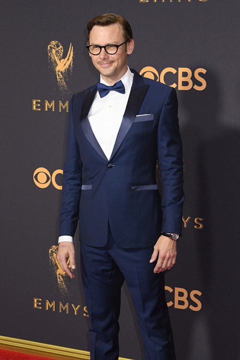 2017-emmys-blue-tuxedo-with-matching-blue-bow-tie