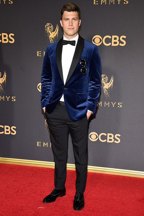 2017-emmys-blue-velvet-tuxedo-with-bow-tie-and-black-pants