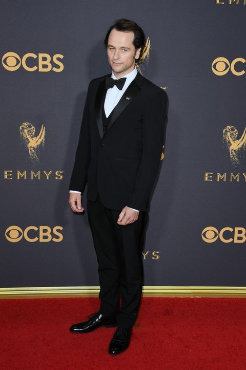 2017-emmys-matthew-rhys-black-tuxedo-with-black-bow-tie