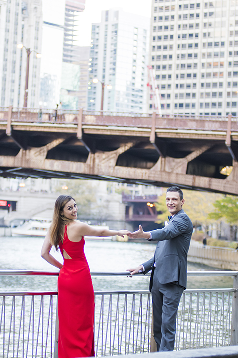 Chicago-outdoor-engagement-shoot-bride-and-groom-holding-hands-smiling
