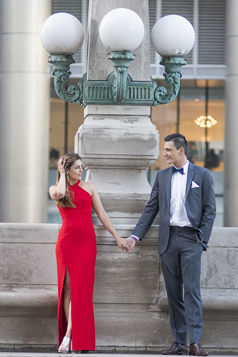 Chicago-outdoor-engagement-shoot-bride-and-groom-holding-hands