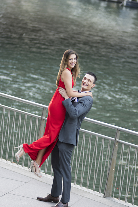 Chicago-outdoor-engagement-shoot-bride-and-groom-lifting-bride