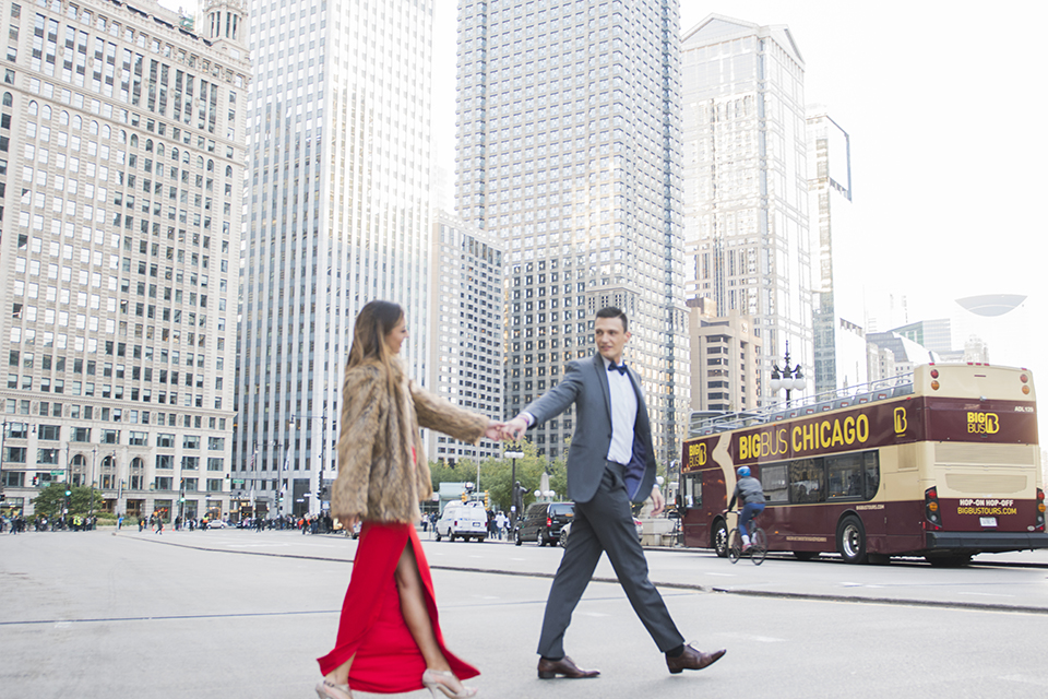 Chicago-outdoor-engagement-shoot-bride-and-groom-walking