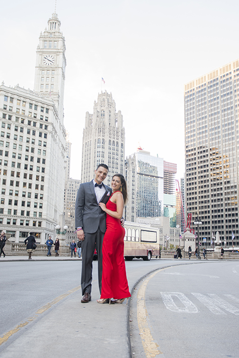 Chicago-outdoor-engagement-shoot-bride-and-groom
