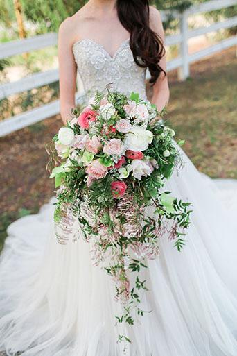 FairyTale-Wedding-Brides-Flowers