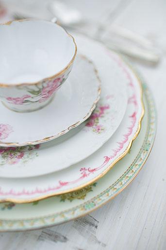 FairyTale-Wedding-Plates-Side-Shot