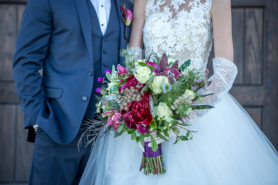 Fit-for-royalty-wedding-shoot-bride-and-groom-close-up