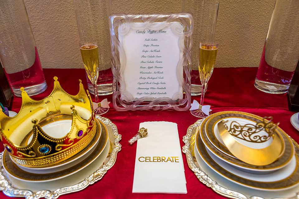 Fit-for-royalty-wedding-shoot-table-set-up-with-place-settings