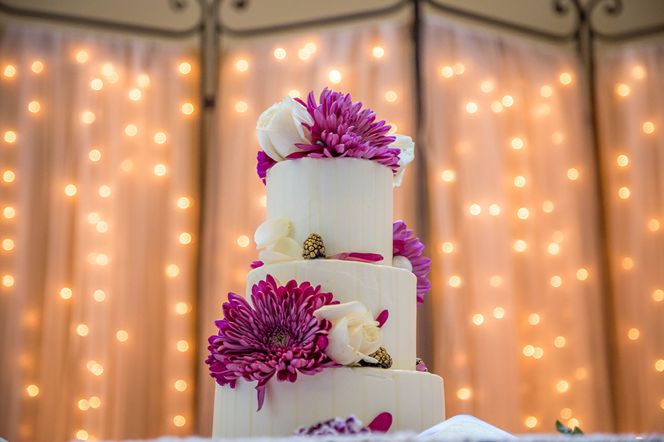 Fit-for-royalty-wedding-shoot-wedding-cake