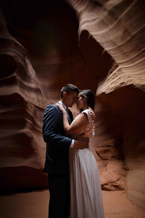 Grand-canyon-wedding-shoot-bride-and-groom-standing-close-up