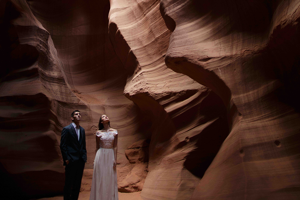 Grand-canyon-wedding-shoot-bride-and-groom-standing-hugging