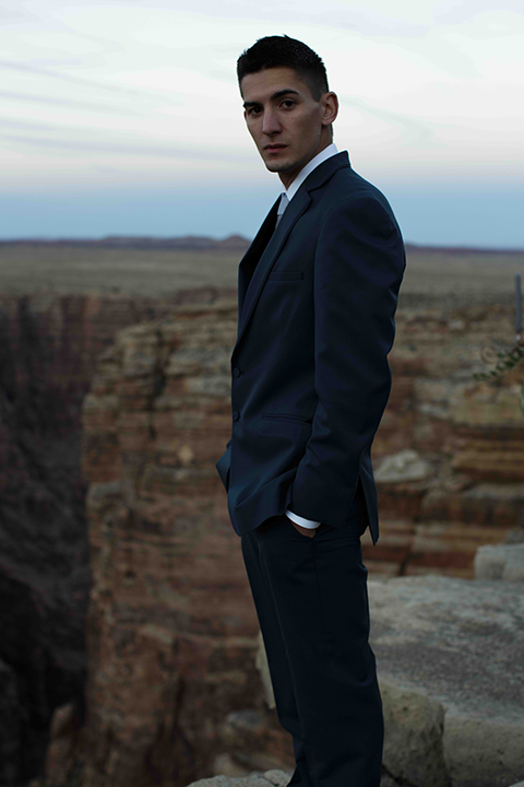 Grand-canyon-wedding-shoot-groom-standing