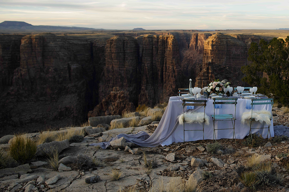 Grand-canyon-wedding-shoot-table