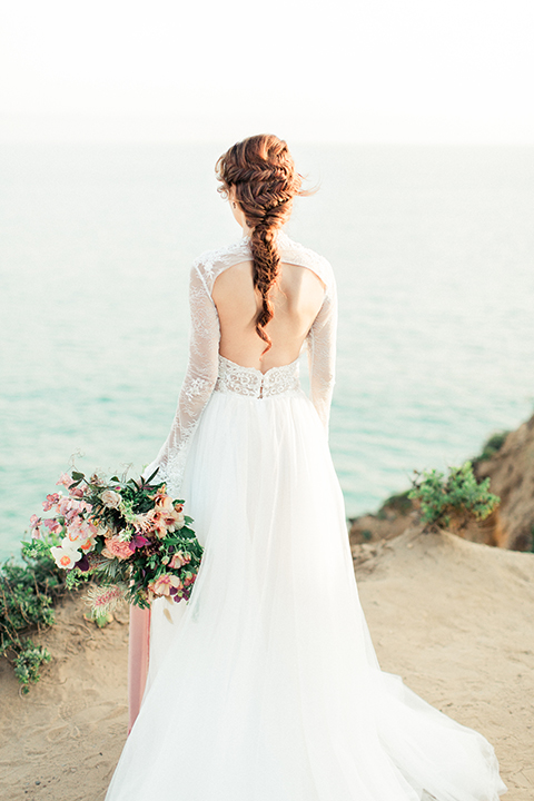 San-diego-outdoor-wedding-shoot-hawaiian-inspiration-bride-holding-bouquet