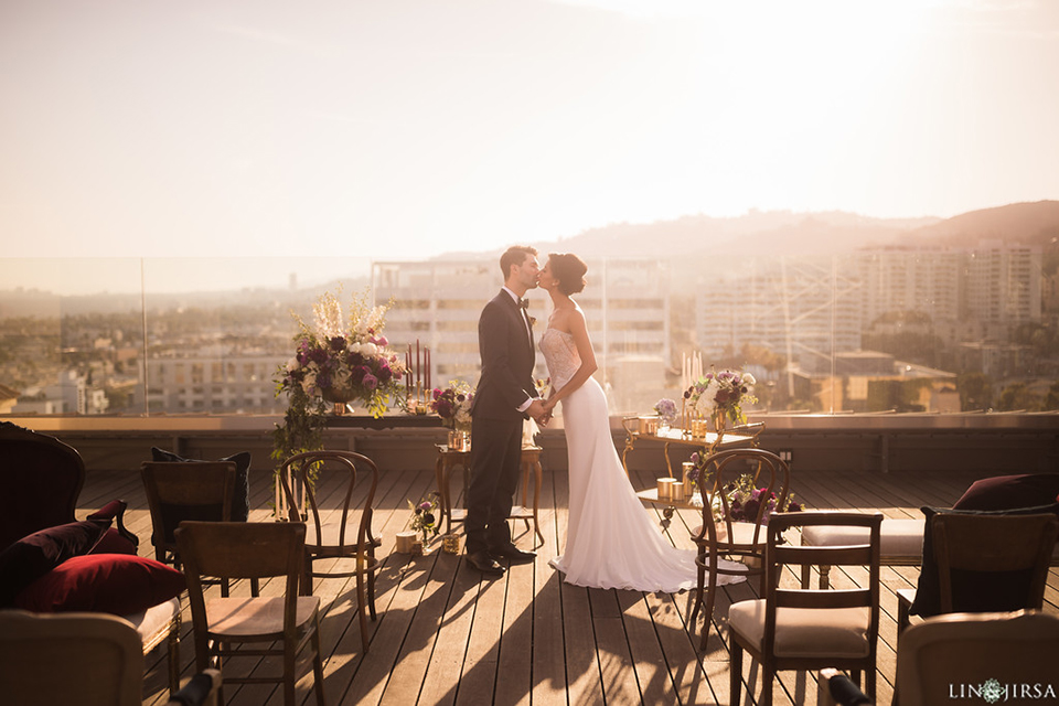 Los-angeles-wedding-shoot-hollywood-roosevelt-bride-and-groom-ceremony-kissing