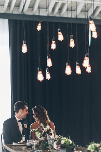 bride-and-groom-rustic-lightbulbs-smashbox-wedding