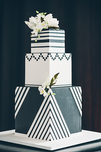 smashbox-wedding-cake-black-and-white