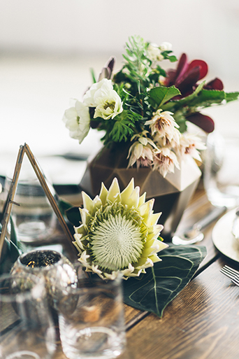 smashbox-wedding-rustic-floral-centerpieces