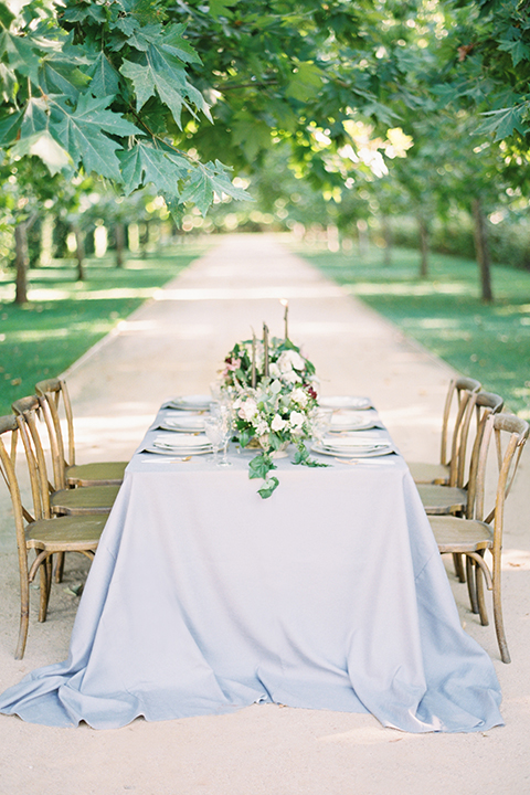 Santa-barbara-outdoor-wedding-at-kestrel-park-table-set-up