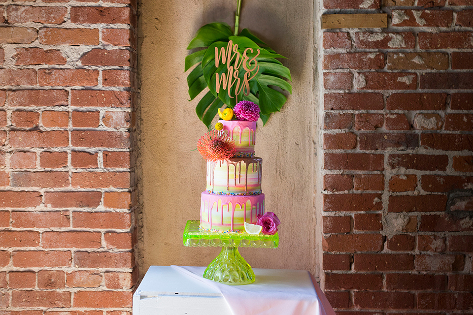 Long-beach-wedding-shoot-at-howl-wedding-cake