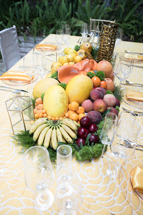 Los-angeles-wedding-shoot-table-set-up-with-fruit-and-place-settings