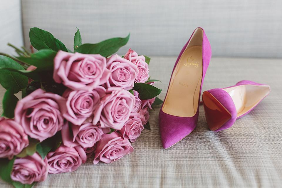 Los-angeles-wedding-shoot-in-santa-monica-bride's-shoes-and-bouquet