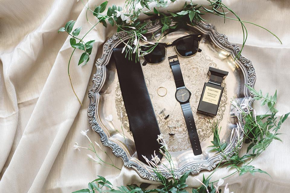 Los-angeles-wedding-shoot-in-santa-monica-grooms-accessories