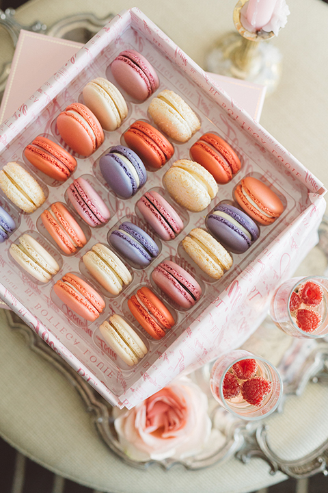 Los-angeles-wedding-shoot-in-santa-monica-wedding-cakes-and-macarons