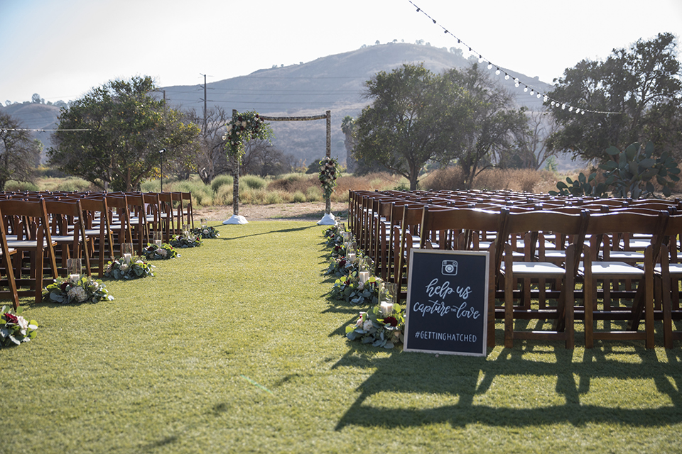 Orange-county-wedding-at-the-hamilton-oaks-winery-ceremony-set-up
