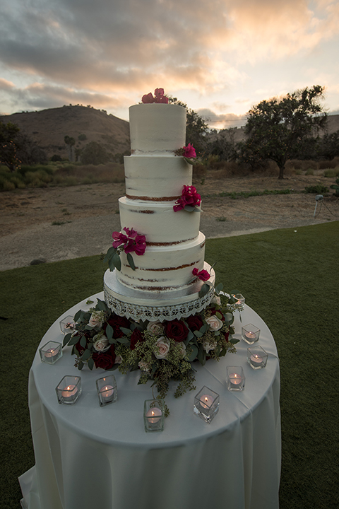Orange-county-wedding-at-the-hamilton-oaks-winery-wedding-cake