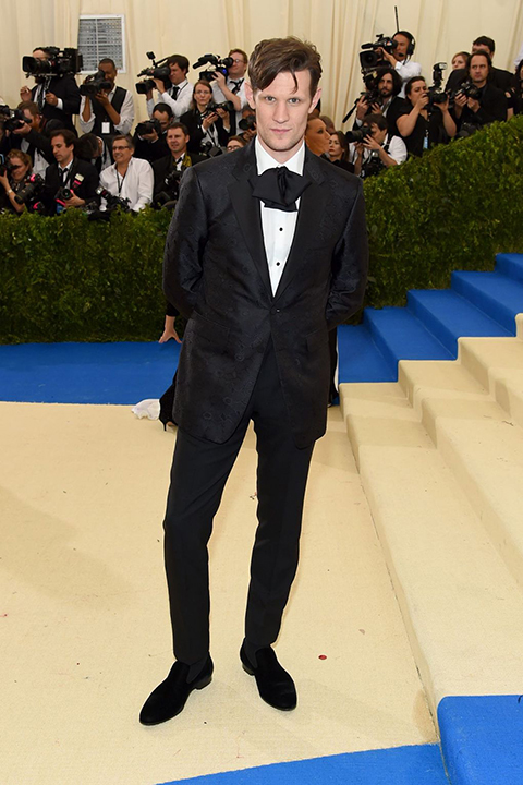 2017-met-gala-black-tuxedo-with-big-bow-tie