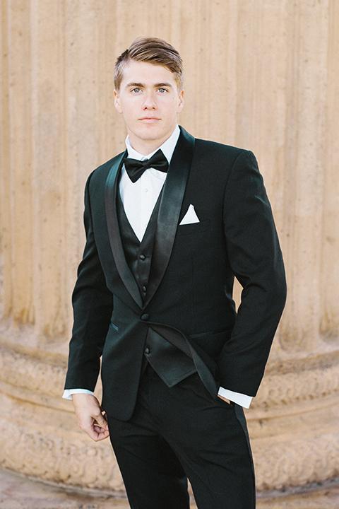 San-francisco-palace-wedding-shoot-groom-black-tuxedo