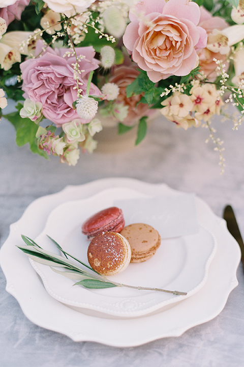 French-inspired-vineyard-wedding-table-set-up-place-setting-macarons