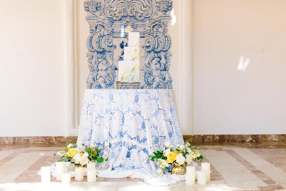 Rancho-las-lomas-outdoor-wedding-wedding-cake